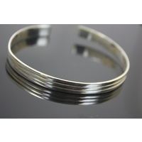 Elegant Simple Lined Sterling Silver Open Bangle Bracelet 9.5 Grams